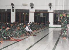Prajurit Resimen Artileri 2 Marinir Peringati Maulid Nabi Muhammad SAW